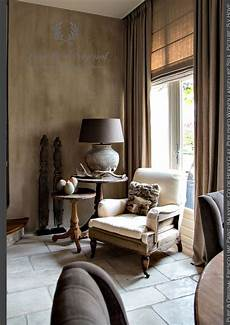 salon living room corner fresco lime paint