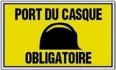 port du casque à vélo panneaux signalisation
