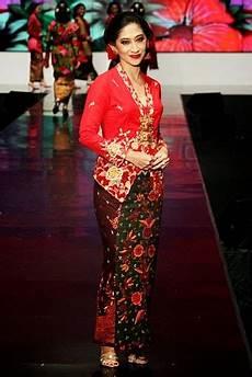 Kumpulan Foto Model Baju Kebaya Kartini Trend Baju Kebaya