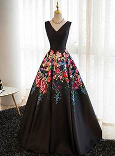 vestito con fiori abito da cerimonia nero vaporoso con gonna a fiori e