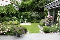 Sichtschutz Für Kleine Gärten - attraktiver sichtschutz g 228 rten eckhardt gmbh co kg