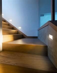 cage d escalier murale moderne luminaires multi luminaire