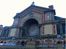 ally pally london capacity alexandra palace
