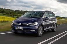 2015 vw touran 1 6 tdi se review what car