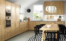 cuisine bois brut ikea cucina in legno di rovere idee cucina ikea