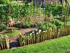 Gemüsebeet Anlegen Ideen - staketen zaun h 246 he 50cm staketenabstand 5cm inspiration