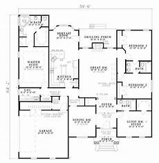 jack and jill house plans one level and a jack and jill bathroom i like that the