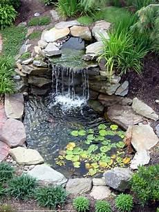 cascade d eau pour bassin d 233 coration de jardin avec une fontaine pour bassin
