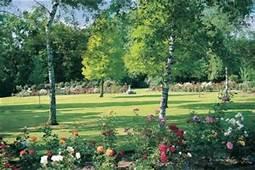 Golders Green Crematorium  Information