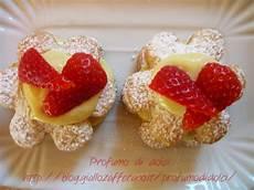 crema pasticcera con fragole margherite di sfoglia e crema pasticcera