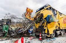 Baustellenabsicherung 252 Bersehen T 246 Dlicher Lkw Unfall Auf