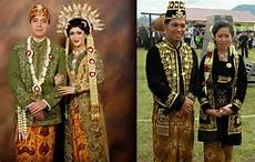 pakaian adat jawa tengah keseharian dan pakaian pengantin adat tradisional