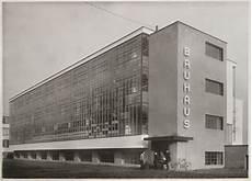 an art lover s blogspot walter gropius bauhaus building