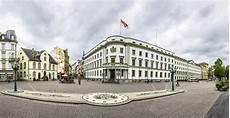 casa wiesbaden entrada ao landtag em wiesbaden foto de stock imagem de