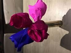 fleur papier crepon idee bricolage enfant fleur en papier crepon