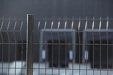 poteau cloture brico depot poteau de grillage en acier galvanis 201 plastifi 201 h 1 25 m