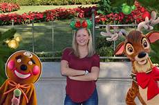 photopass offering festive shots at mickey s very merry christmas party allears net