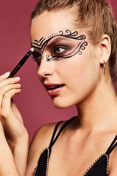 Eine Karneval Maske In Der Letzten Minute Ja Mit Make Up