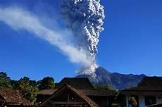 Kumpulan Gambar Gunung Merapi Meletus Hd Infobaru