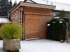 gartenhaus mit holzlager gartenblog geniesser garten gartenhaus ger 228 teschuppen radlhaus schuppen laube