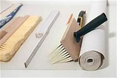 tapezierwerkzeug was brauche ich zum tapezieren tipps