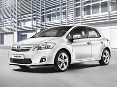 2011 Toyota Auris Hsd Features Photos Price