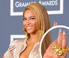 beyonce removes wedding ring tattoo beyonce and z