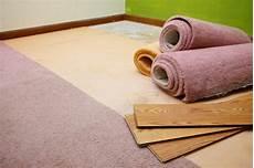 teppich unter laminat teppich auf laminat verlegen 187 so klappt s problemlos