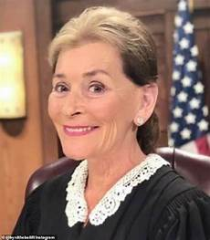 judge judy hairstyle pictures fans react to judge judy unveiling a new hairstyle after