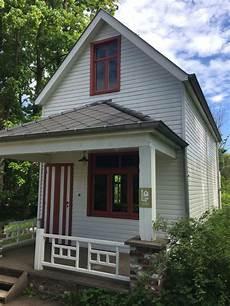 Typisches Amerikanisches Haus - typical american home during reconstruction effort photo