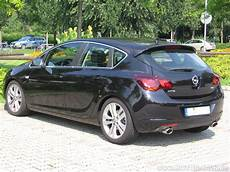 Opel Astra 2 0 Cdti Technical Details History Photos On