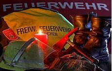 wir w 252 nschen ihnen frohe weihnachten www feuerwehr