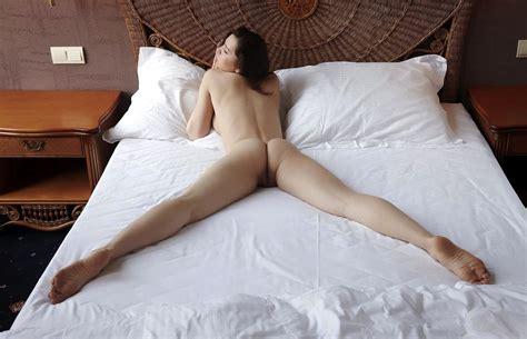 Nude Women Wallpaper