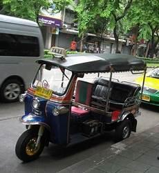tuk tuk a vendre les tuk tuk en font un souk 224 bangkok