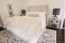 Bedroom Ideas Beige Headboard by Stunning Bedroom With Beige Tufted Headboard Accented With