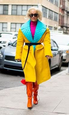 color blocking here are 10 who are doing the color blocking look right photo 1