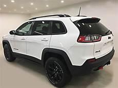 new 2019 jeep new trailhawk elite spesification new 2019 jeep trailhawk elite 4x4 v6 sunroof