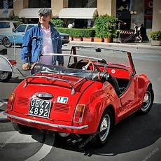 gamine vignale is a small roadster based on the fiat 500