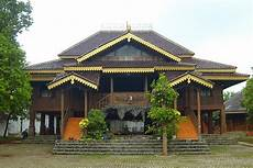 Rumah Adat Nuwo Sesat Rumah Idamanku