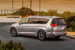 2019 Chrysler Pacifica Review Design Engine Price