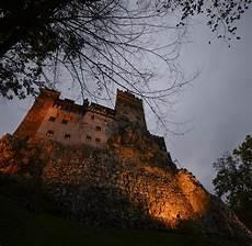 Airbnb Bietet Nacht In Draculas Schloss An Welt