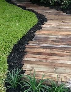 chemin bois jardin nos propositions en vid 233 os pour faire une all 233 e de jardin