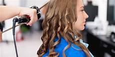 appareil a faire des boucles boucler ses cheveux 224 l aide d un fer 224 boucler