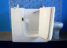 vasca da bagno per anziani prezzi vasca con sportello per anziani con vasca da bagno per