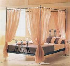 letto a baldacchino in ferro battuto letto in ferro battuto con baldacchino