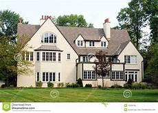 Haus Mit Vielen Windows Stockfoto Bild