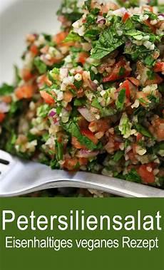 petersiliensalat mit sesam zwiebel minze tomaten und