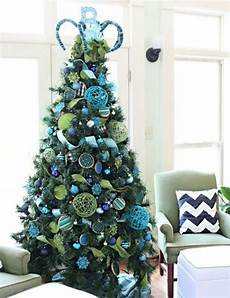 deco noel bleu et blanc sapin de noel bleu deco noel sapin decoration noel et