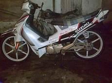 Modif Motor Smash 2004 by Koleksi Modifikasi Motor Suzuki Smash Terkeren Velgy Motor
