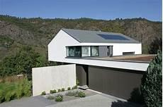 reetdach dacheindeckung mit natuerlichem moderne dachbaustoffe mit guter energiebilanz